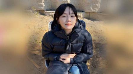 Artis Korea Selatan, Park Gyu-young, mencuri perhatian lewat aktinya di serial It's Okay to Not Be Okay. Wanita berparas manis ini rupanya jago olahraga yoga. - INDOSPORT