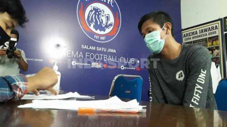 Syaiful Indra Cahya tak mau kecewa atas perginya Mario Gomez, pelatihnya di Arema FC yang kini hengkang ke Borneo FC pada lanjutan Liga 1 2020 mendatang. - INDOSPORT