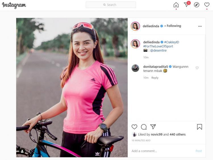 Tampil Cantik Saat Bersepeda, Dellie Threesyadinda Jadi Sorotan Doni Tata Copyright: instagram.com/delliedinda