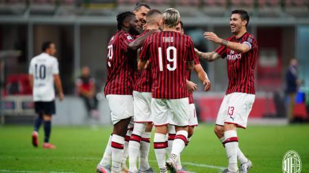 Selebrasi pemain AC Milan saat melawan Bologna di pekan ke-34 Liga Italia Serie A 2019/20, Minggu (19/07/20). - INDOSPORT