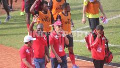 Indosport - Pelatih Persipura, Jacksen Tiago (kiri kedua) mengatakan skuatnya belum ada agenda pemusatan latihan dalam waktu dekat.
