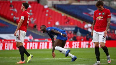 Selebrasi pemain Chelsea, Antonio Rudiger. usai mencetak gol ke gawang Manchester United dalam pertandingan Semi Final Piala FA.
