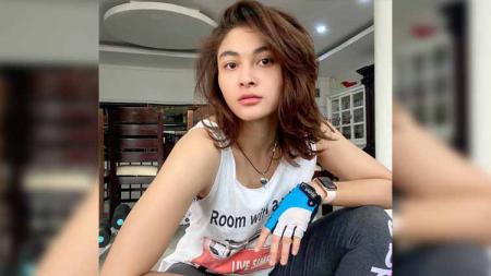 Fina Phillipe saat ini tengah mengalami hal yang tidak sopan dari netizen setelah mendapat perlakuan yang mengarah ke pelecehan seksual - INDOSPORT