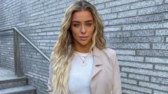 Indosport - Intip Keseksian Taylor Ward, Model Blonde Eks Aguero yang Dipacari Riyad Mahrez