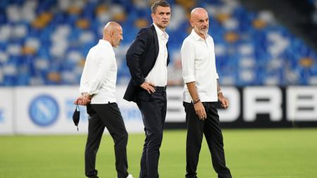 Legenda sekaligus direktur AC Milan, Paolo Maldini, enggan memasang target empat besar alias lolos Liga Champions bagi Rossoneri di akhir musim ini. - INDOSPORT