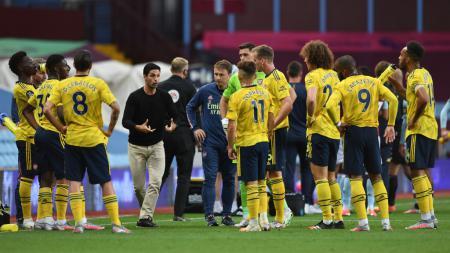 Coach Justin punya pendapat siapa biang kerok amburadulnya Arsenal di Liga Inggris dan sosok penyelamatnya. - INDOSPORT