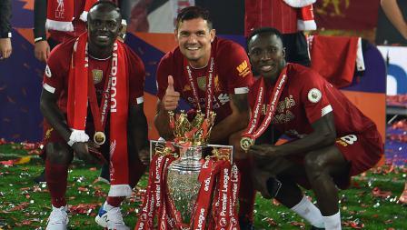 Sadio Mane, Dejan Lovren, dan Naby Keita rayakan gelar juara Liga Primer Inggris Liverpool