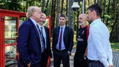 Indosport - Investasi jangka panjang sepertinya bakal jadi pilihan sulit bagi klub Serie A Italia, AC Milan, untuk bursa transfer musim panas ini.
