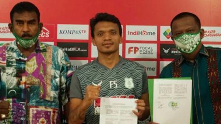 Klub Liga 2, PSMS Medan, resmi mengontrak striker andal berdarah Batak, Ferdinand Sinaga, yang mengakhiri penantian 13 tahun sang pemain. - INDOSPORT
