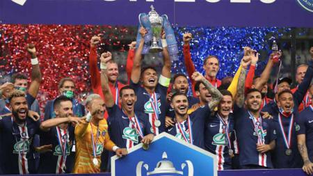 Usai sukses meraih trofi Piala Liga Prancis dalam laga kontra Lyon, Sabtu (1/8/2020) dini hari tadi, PSG sekarang mengincar gelar juara Liga Champions. - INDOSPORT