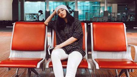 Harini Sondakh, aktris cantik Indonesia yang punya hobi basket. - INDOSPORT
