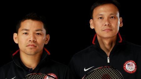 Howard Bach (kiri) bersama Tony Gunawan. - INDOSPORT
