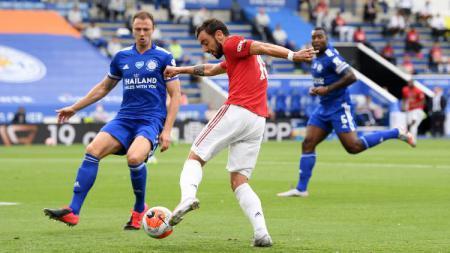 Manchester United berhasil mencetak rekor usai menjadi tim yang paling sering mendapat penalti dalam 1 musim Liga Inggris di laga melawan Leicester City. - INDOSPORT