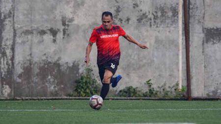 Deden Suparhan merupakan mantan pemain sepak bola profesional yang sempat memperkuat beberapa tim di Indonesia salah satunya Persib Bandung di musim 1996 hingga 2002. Apa kabar dirinya? - INDOSPORT