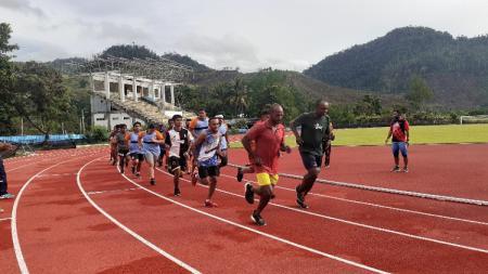 Atlet NPC Papua saat berlatih di Lapangan Mahachandra Uncen. - INDOSPORT