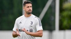 Indosport - Tak masuk ke dalam rencana Andrea Pirlo, Juventus dikabarkan siap mendepak Sami Khedira di bursa transfer musim panas ini.