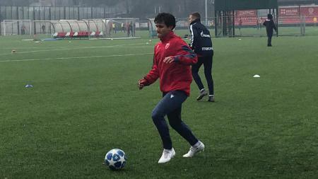 Stefan Antonic berlatih bersama klub raksasa Serbia, Red Star Belgrade. - INDOSPORT