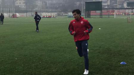 Stefan Antonic saat berlatih bersama klub raksasa Serbia, Red Star Belgrade. - INDOSPORT