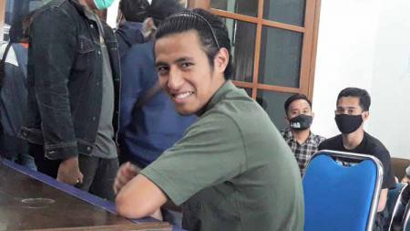 Gelandang Hanif Sjahbandi ikut rapid test tahap 2 Arema FC. - INDOSPORT