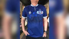 Indosport - Arema FC luncurkan jersey limited edition untuk peringatan HUT klub ke-33.