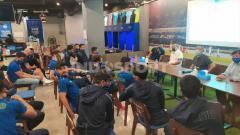 Indosport - Manajemen Persib menggelar pertemuan dengan pemain, pelatih dan official tim di Graha Persib, Jalan Sulanjana, Kota Bandung, Rabu (29/07/2020).