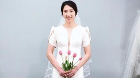 Dua pebulutangkis andalan Korea Selatan, yakni Son Wan-ho dan Sung Ji-hyun, terlihat manis saat melakukan foto prewedding. - INDOSPORT