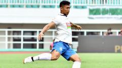 Indosport - Pemain belakang PSIS Semarang, Soni Setiawan mengaku kurang setuju dengan wacana dari PT. Liga Indonesia Baru (PT. LIB).