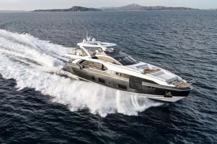 Yacht Ronaldo seharga £5.5m Copyright: The Sun