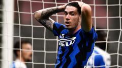 Indosport - Klub LaLiga Spanyol, Barcelona, kabarnya meminati bek muda Inter Milan, Alessandro Bastoni, di bursa transfer pemain.