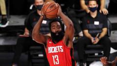 Indosport - Kegemilangan James Harden tak bisa menyelamatkan Houston Rockets dari kekalahan melawan Indiana Pacers dalam lanjutan NBA 2019/20.