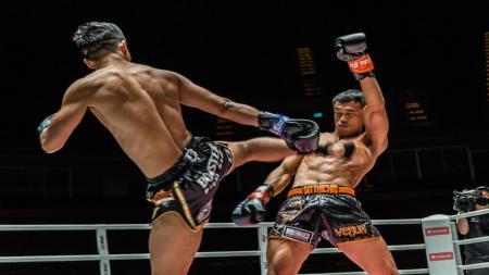"Superbon vs Sitthichai ""Killer Kid"" Sitsongpeenong di laga trilogi kickboxing ONE Championship. - INDOSPORT"