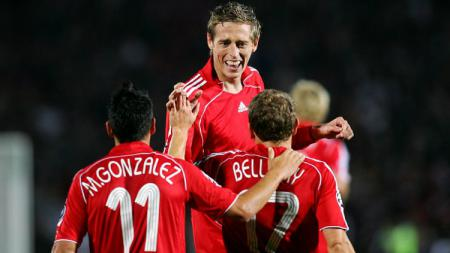 Mantan striker Liverpool, Peter Crouch dan Craig Bellamy. - INDOSPORT