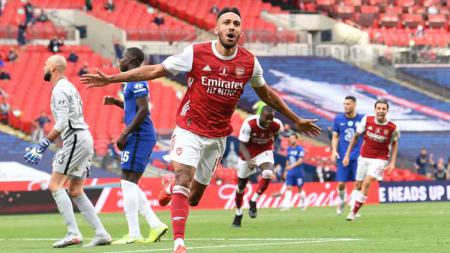 Selebrasi Pierre-Emerick Aubameyang (Arsenal) usai mencetak gol kedua untuk timnya dalam laga final Piala FA Arsenal vs Chelsea - INDOSPORT