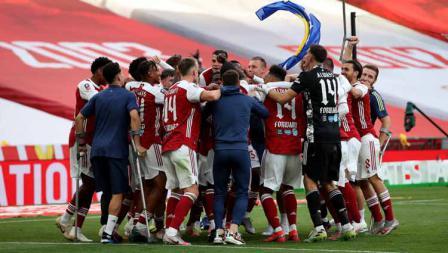 Skuat Arsenal rayakan gelar juara Piala FA usai kalahkan Chelsea dalam laga final Piala FA.