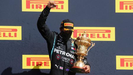 Juara bertahan Formula 1 (F1), Lewis Hamilton masuk dalam daftar 100 orang paling berpengaruh di dunia versi majalah ternama TIME 2020. - INDOSPORT