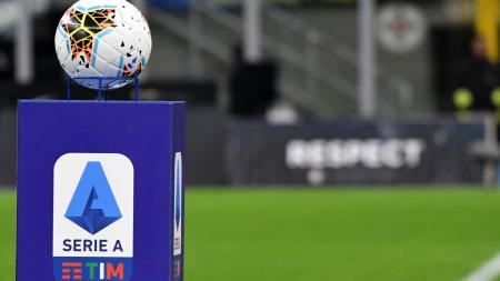 Berikut klasemen Serie A Italia hari ini di mana AC Milan masih kokoh di puncak klasemen meskipun ditahan imbang oleh AS Roma. - INDOSPORT