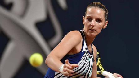 Kristyna Pliskova kalahkan unggulan 3 Maria Sakkari di babak pertama Palermo Terbuka.