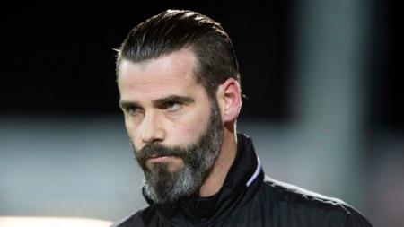 Pelatih Ross County, Stuart Kettlewell, yang memiliki kemiripan dengan David De Gea. - INDOSPORT