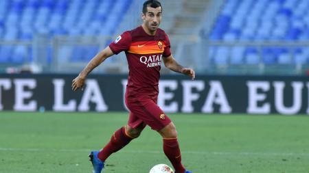 Gagal di Liga Inggris kala bermain untuk Manchester United dan Arsenal, Henrikh Mkhitaryan berhasil bangkit bersama AS Roma di Serie A Italia. - INDOSPORT
