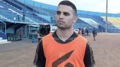 Indosport - Striker Arema FC, Elias Alderete.