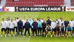 Indosport - Pelatih Copenhagen, Stale Solbakken, menjanjikan bonus menarik jika anak asuhnya berhasil mengalahkan Manchester United di perempatfinal Liga Europa.