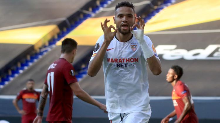 Selebrasi pemain Sevilla, Youssef En-Nesyri usai mencetak gol ke gawang AS Roma di Liga Europa Copyright: Wolfgang Rattay/Pool via Getty Images