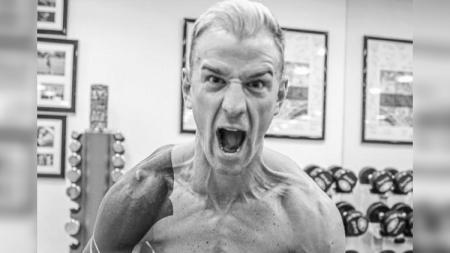 Joe Hart kini memiliki tubuh penuh otot. - INDOSPORT