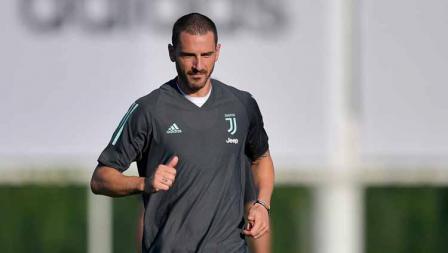 Pemain Juventus Leonardo Bonucci saat sesi latihan Liga Champions jelang laga antara Juventus vs Lyon.