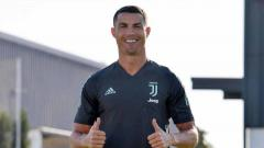 Indosport - Berikut rekap rumor transfer pemain di bursa transfer musim panas ini, yang dirangkum sepanjang Kamis (13/08/20). Nama Cristiano Ronaldo menjadi kejutan dengan ditawarkan Juventus ke Barcelona.