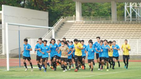 Latihan perdana Timnas Indonesia U-19. - INDOSPORT