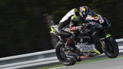 Indosport - Pembalap dari tim Ducati, Johann Zarco, tampil mengejutkan setelah mampu menjadi yang tercepat alias merebut pole position.