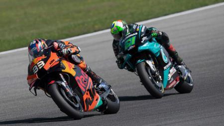Sukses meraih juara di Sirkuit Brno dalam gelaran GP Ceko beberapa waktu lalu, Brad Binder berhasil masuk ke dalam daftar elit pembalap MotoGP. - INDOSPORT