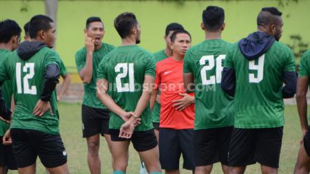 Latihan klub Liga 2, PSMS Medan dibawah kepemimpinan pelatih Philep Hansen. - INDOSPORT