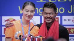 Istri Lin Dan, Xie Xingfang disebut media China melakukan sebuah perjudian ketika memilih memaafkan suaminya yang sudah ketahuan selingkuh.